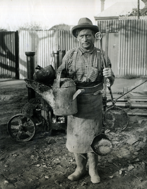 Historical image of a Sewer Man - 1937